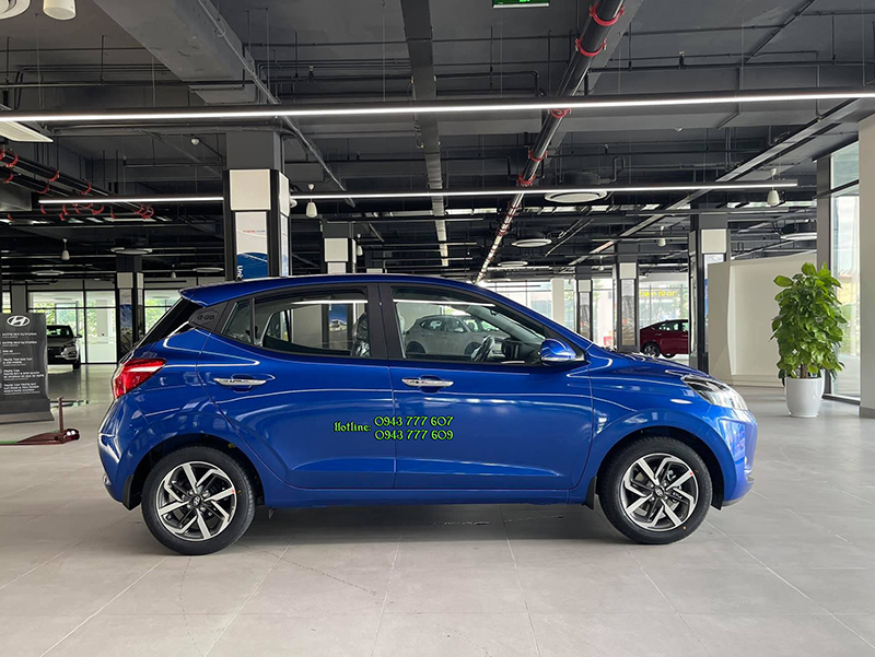 gia-xe-hyundai-grand-i10-hatchback-khuyen-mai-hyundai-tphcm-mau-xanh.jpg